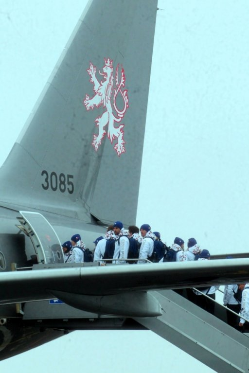 První část české výpravy odcestovala 30. ledna z letiště Praha-Kbely do dějiště zimních olympijských her v Soči.