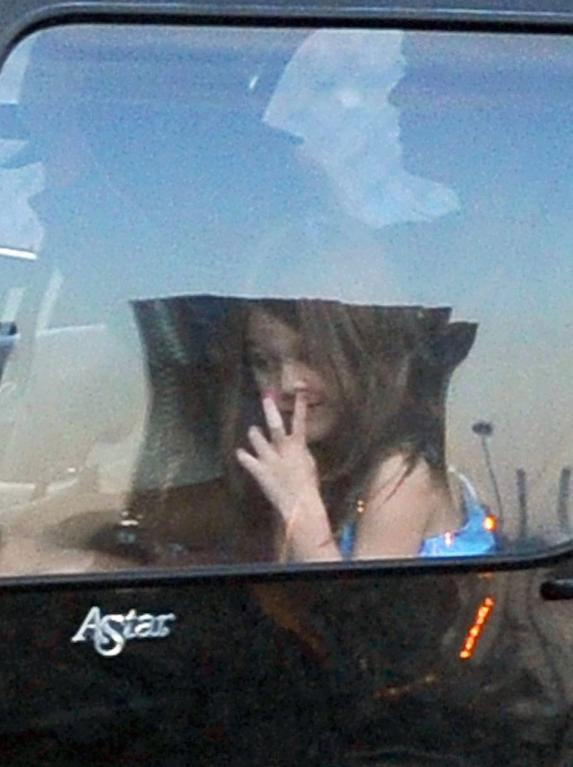 Dcera Kate Holmes a Toma Cruise, Suri, zřejmě zapomněla na své dobré vychování...