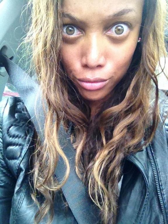 Tyra Banks vypadá jako žabí UFO! Její fotky bez make-upu vás vyděsí - Obrázek 2
