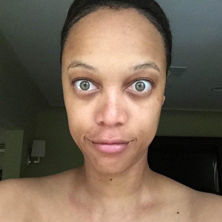 Tyra Banks vypadá jako žabí UFO! Její fotky bez make-upu vás vyděsí - Obrázek 6