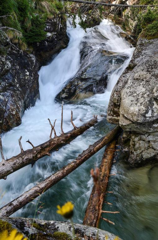 Podzimní vodopády objektivem Jiřího Doležala - Studený potok - klády