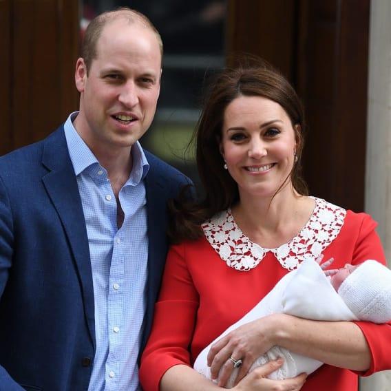 Princ William a žena Kate slaví narození třetího potomka 4