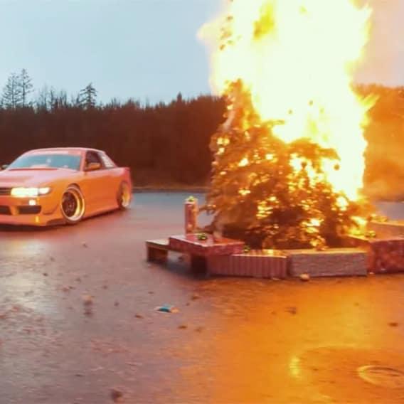 Nejodvážnější Vánoční praktiky s autem