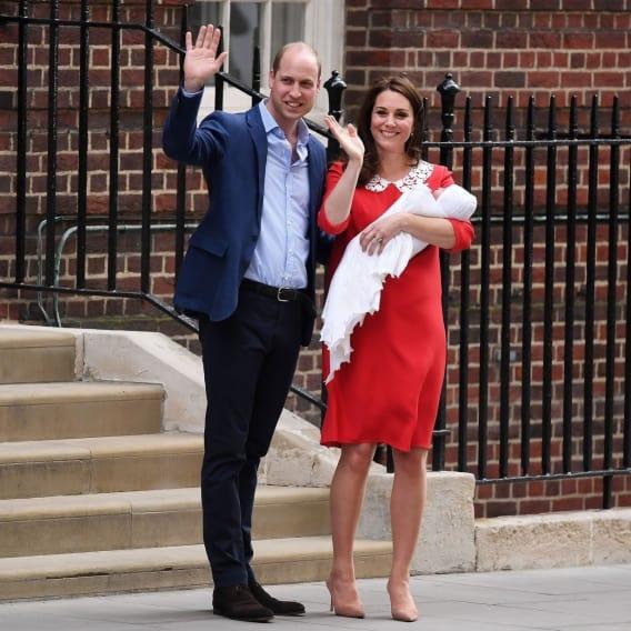 Princ William a žena Kate slaví narození třetího potomka 2