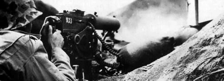 Američtí mariňáci bojují s kulometem Browning M1917