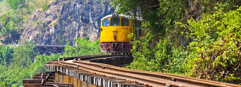 Po Japonci vybudované železnici smrti jezdí vlaky i dnes