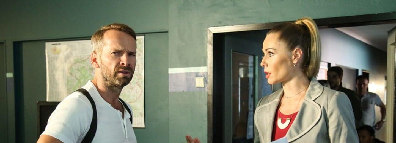 Vitázková a Révai šli z hádky do hádky. V rámci role.