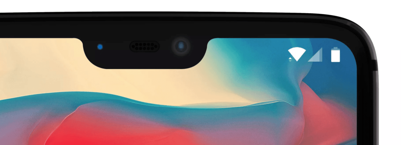 Detail výřezu v displeji telefonu OnePlus 6