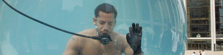 Kouzla Davida Blaina: Magie pod vodou
