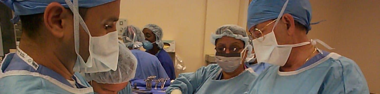 Chirurgové se chystají na obrovský nádor